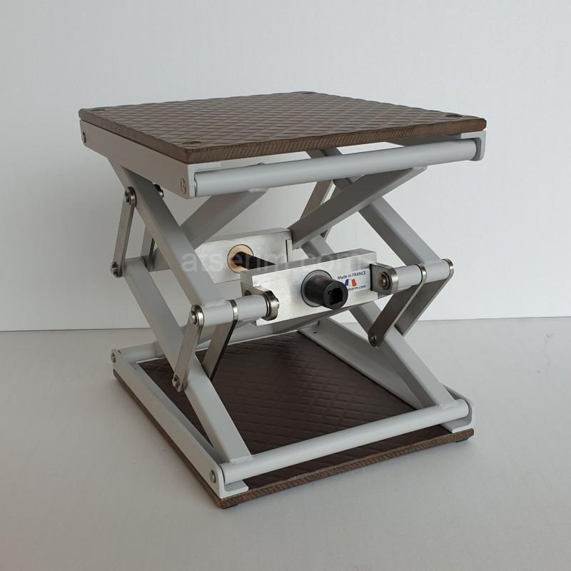 Petite table élévatrice TE240